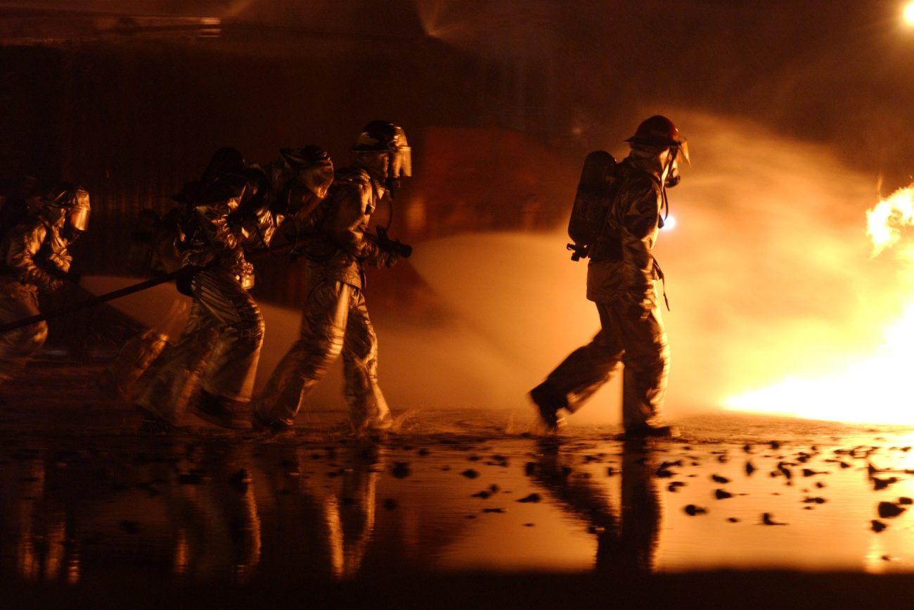 firefighter-805444